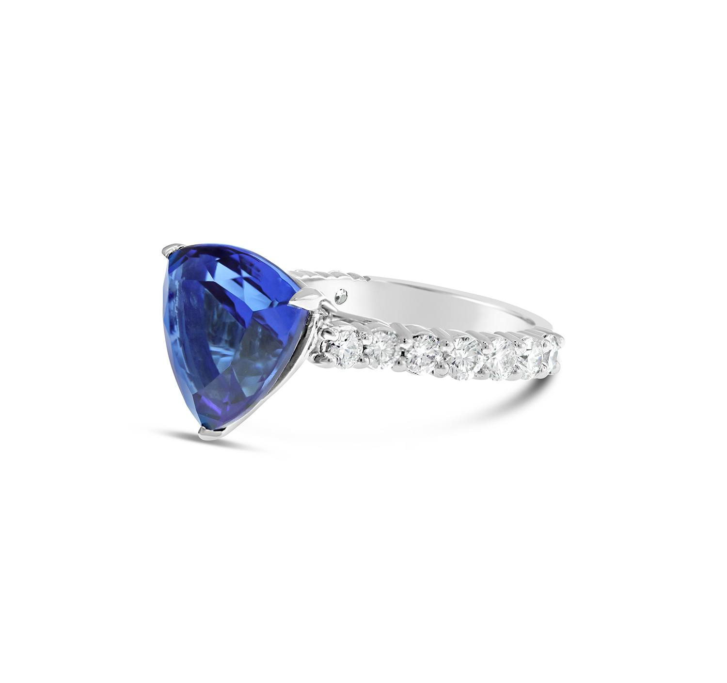 great and itm with tanzanite clean ct gem purplish eye trillion saturated blue a cut well carat colour