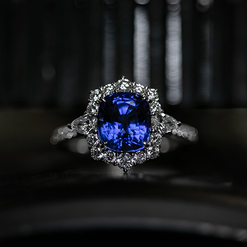 The Blue Sapphire Engagement Ring Guide