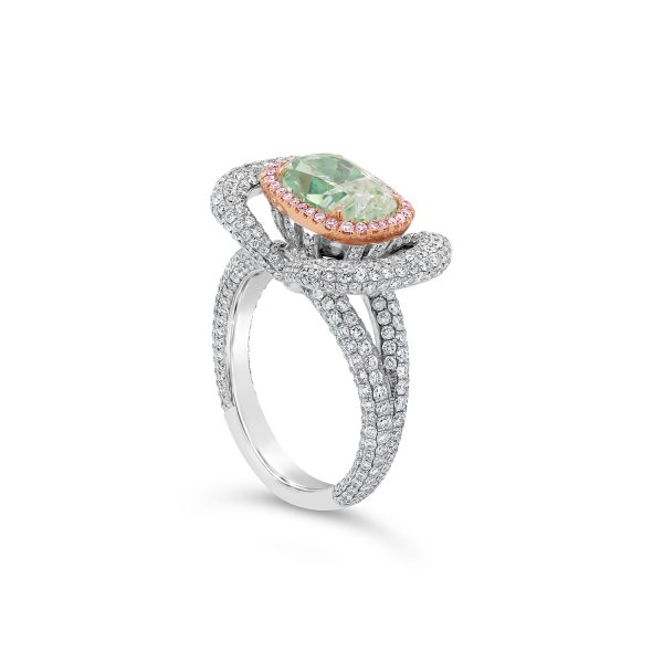 Fancy Light Green Diamond Ring